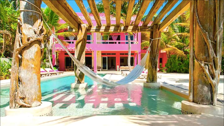 Luxurious Private Villa, 8 Guests Beach Front,Chef