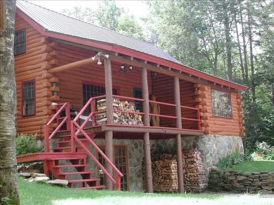 Vintage and charming mountain log cabin cabins for rent for Vermont mountain cabins