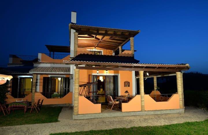 Villa Gallini - Άνετη κατοικία δίπλα στην θάλασσα