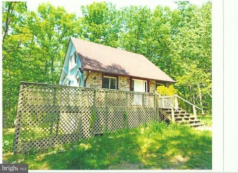 Old Barn Farm- 2+bed/1 bath Natural Rustic Cottage