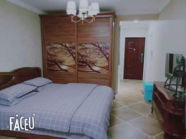 地坑院-温馨民宿(天然温泉-浴缸)