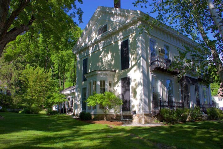 Historic Blackinton Manor