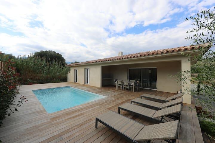 villa neuve clim/piscine chauffée (classée****) - Zonza