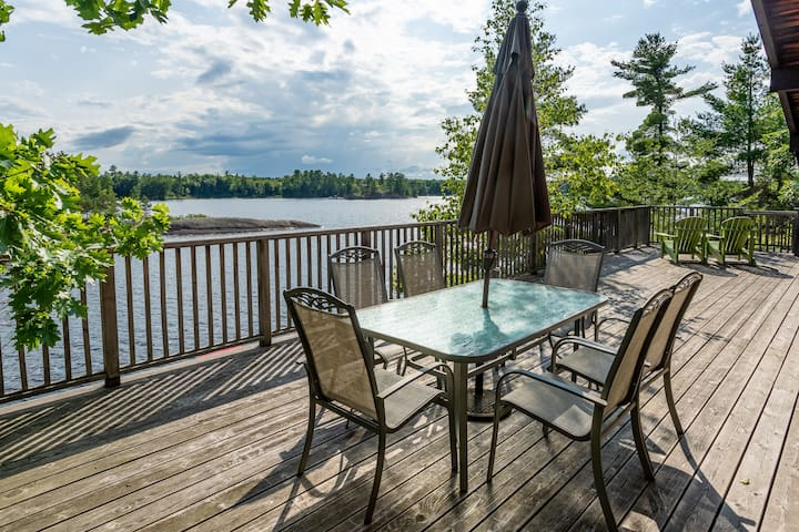 Waterfront Cottage on Muldrew Lake, Muskoka