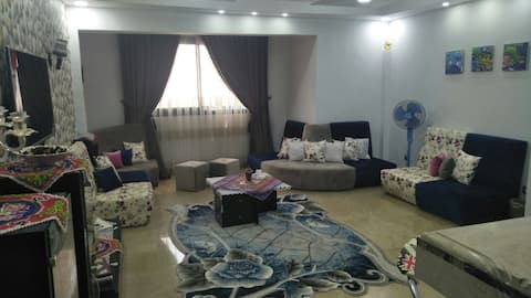 Simple bedroom near the airport (for females ONLY)