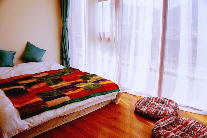 观布宫瑜珈艺术主题大床房