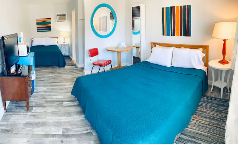 Clean, central, 50's inspired Salida Motel 16