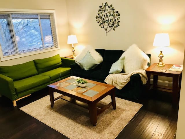 COZY, SPACIOUS AND CLEAN, home away from home!