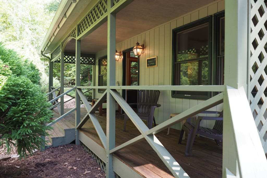 Deck ~ there is a side entrance to the deck that makes arriving with luggage or packages easy