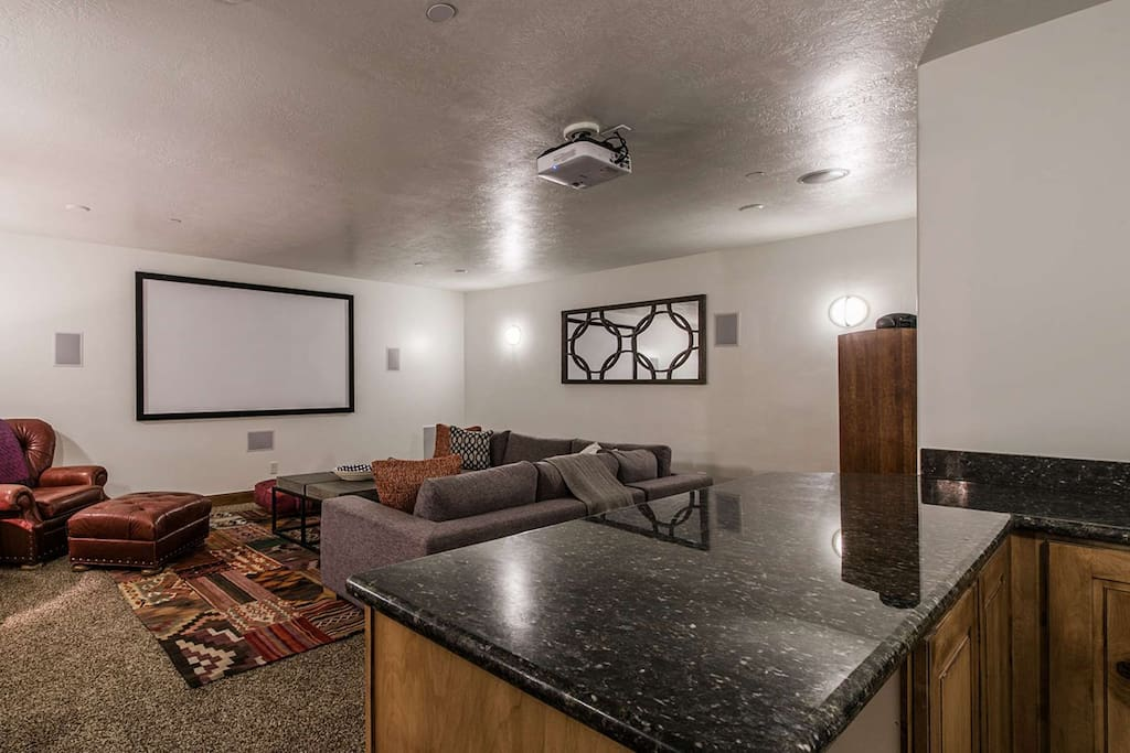 Home Theater Room w/ Bar, Screen & Projector