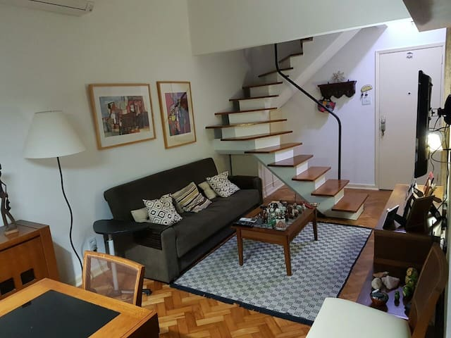 Large, cozy double room with TV. - Rio de Janeiro - Wohnung