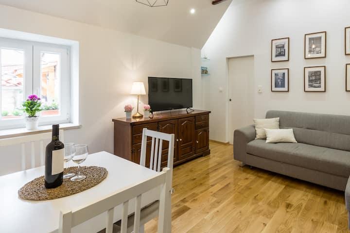 Evala 4**** rustical luxury apartment Split center