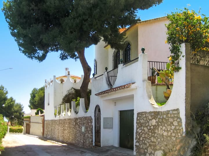 House with 3 bedrooms in Benajarafe, with wonderful sea view, private pool, enclosed garden - 300 m from the beach