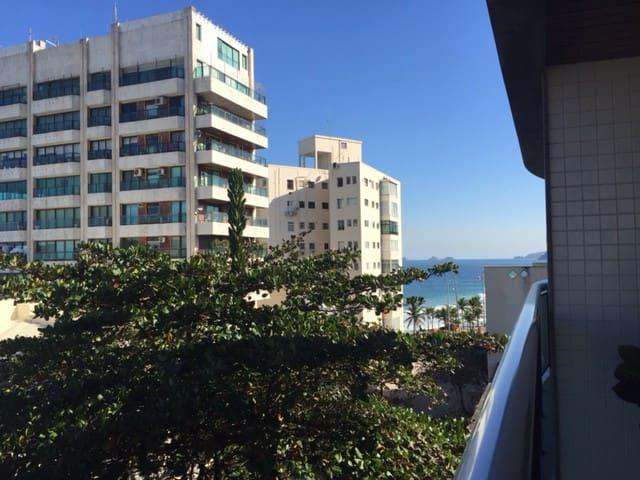 2 Rooms Flat Service - Arpoador (Ipanema Beach) - Rio de Janeiro - Daire