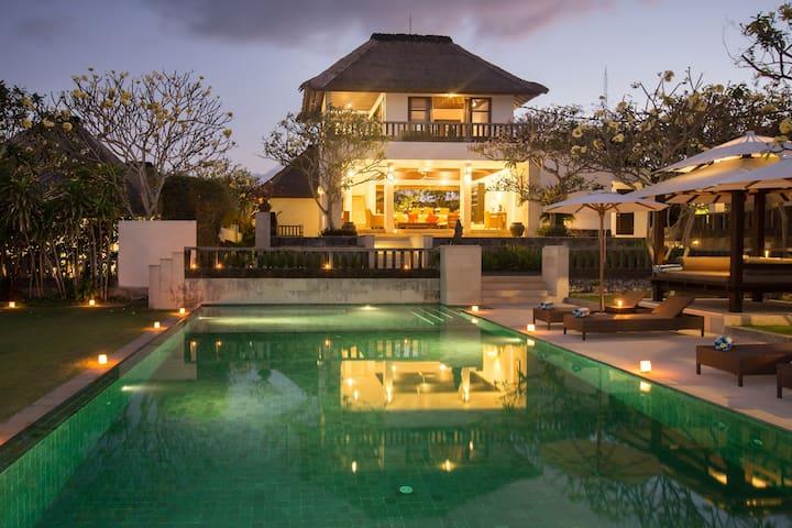 A Beautifull 3 Bed Villa, Ocean View ,Nr Uluwatu;