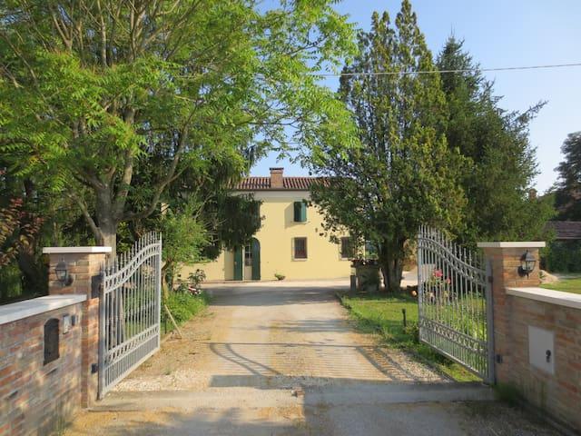 Borgo Tarapino nella natura a due passi da Ferrara
