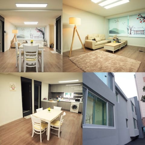 #102 Entire very Spacious House for Big Group
