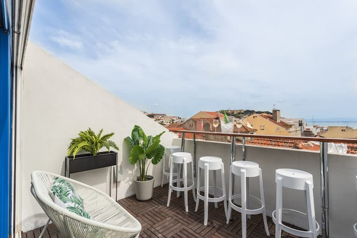 Rossio Penthouse RiverView+Parkin - by LU Holidays