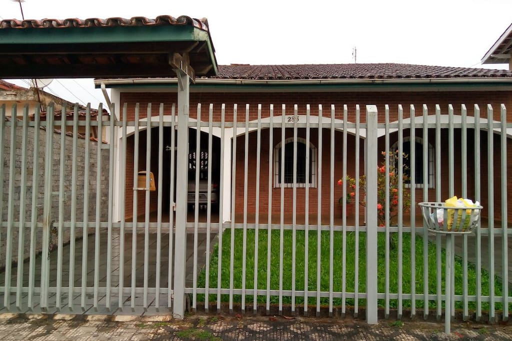 fachada e garagem