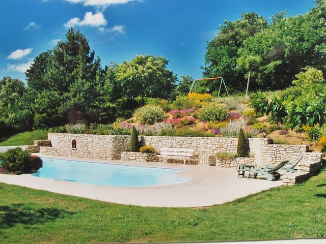 Maison de charme dans la campagne ardéchoise - Charmes-sur-Rhône