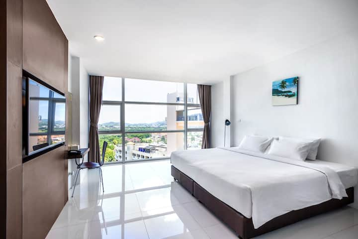 1 Bedroom  Panoramic View w. Free shuttle Bus/RO