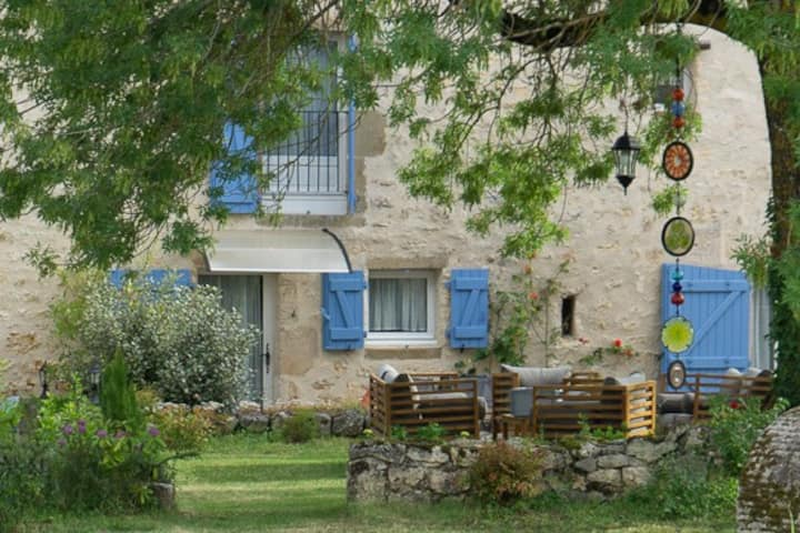 Cottage haven close to medieval Cordes-sur-Ciel