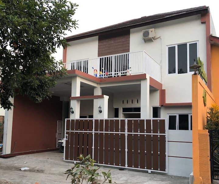 Irzahfa HomeStay