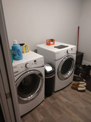 Laundry: Detergent, Softener and Dryer Sheets provided.