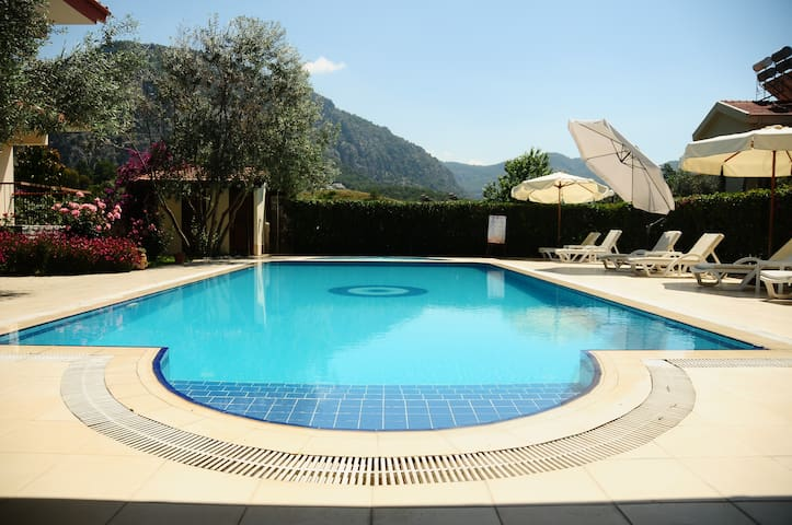 Lovely Apart with Kithcen & Pool