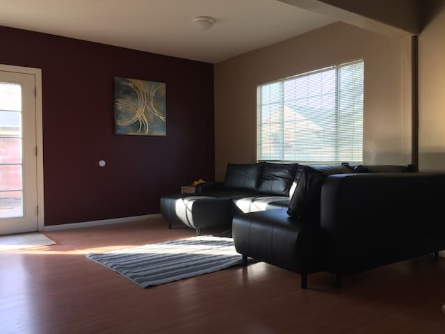Downtown Norwalk Two Private Bedrooms + Bath