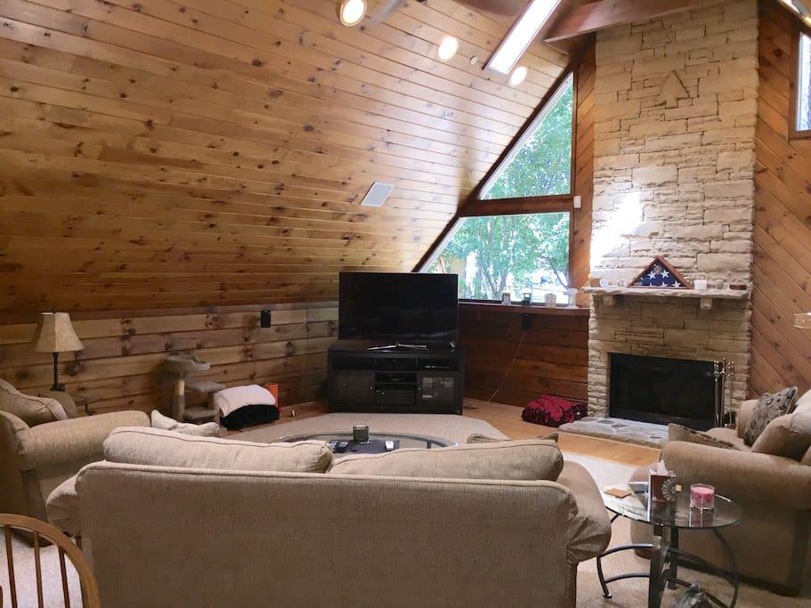 2br Log Cabin Retreat Suite In Nashville Cabins For Rent In Nashville Tennessee United States