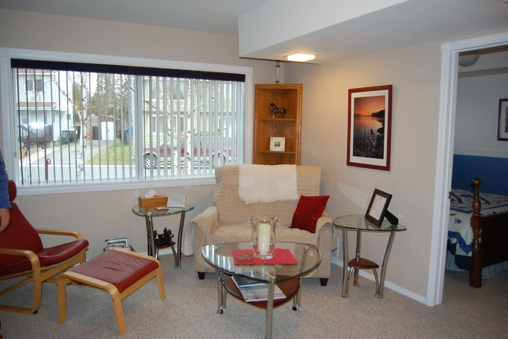 Private living room for bnb guests
