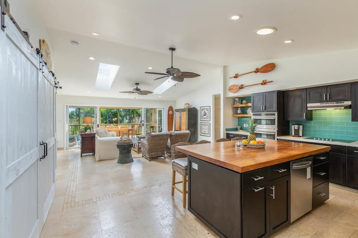 Paradise Retreat! Luxurious Home, steps to the beach, with A/C.  TVNC#1297
