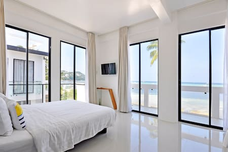 One Bedroom Gallery (Full Ocean View) - Bed & Breakfast