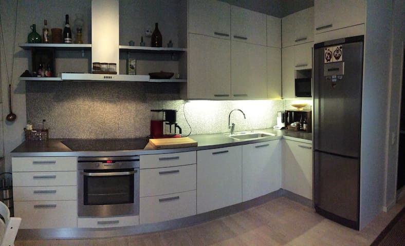 Newly renovated and cosy wooden house - Location!