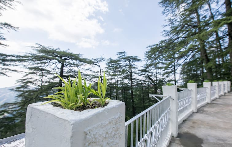 1 BR in Heritage Villa w/ Views+Breakfast @Shimla