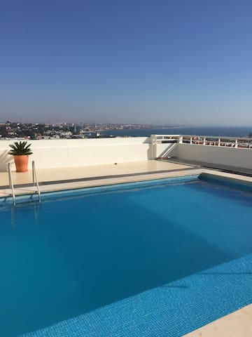 Studio -swimming pool on roof top - Cascais