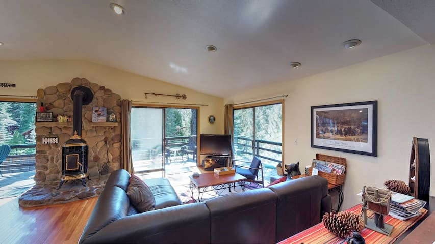 Close to the Lake/Northstar, Perfect for Families, Pets Welcome!