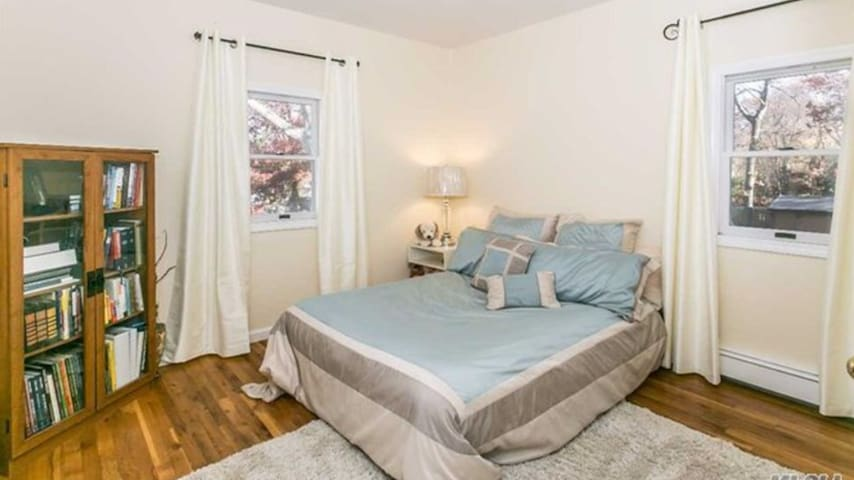 Cozy bedroom near Stony Brook. Available long term