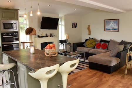 Sea Front Beach House in Courtmacsherry, West Cork