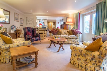 Sea Sounds Apartment, Mundesley, 2 mins from beach - Mundesley