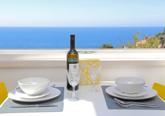 Miriam - Studio Apartment with Sea View