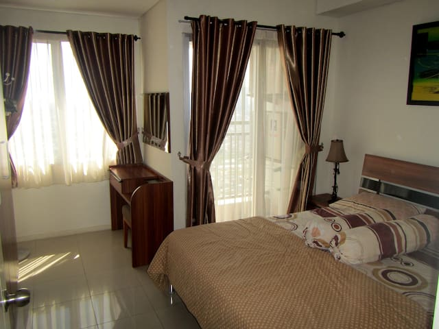 FREE WIFI Cozy 1BR Cosmo Terrace Central Jakarta