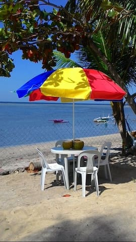 Beach FRONT cottage, Spectacular Views, Safe - Batangas - 小屋