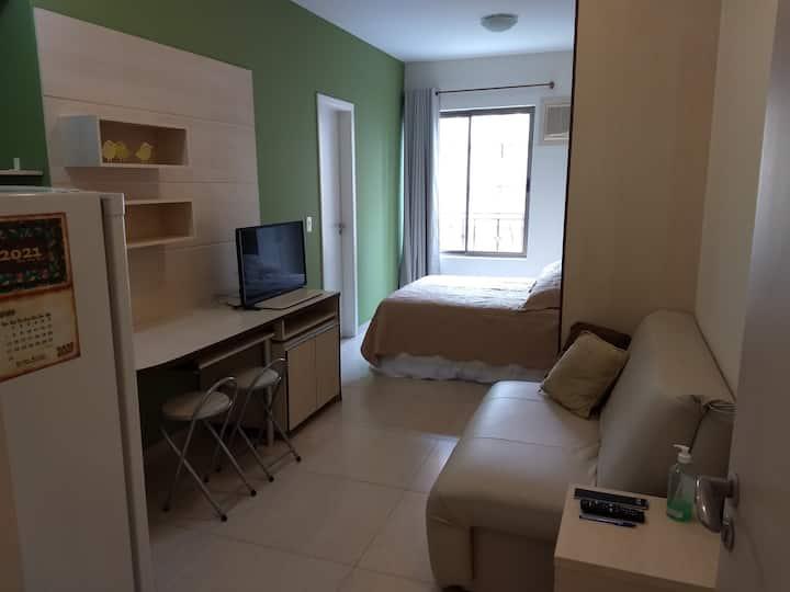 Estúdio Centro Nobre de Londrina c/WI-FI e garagem