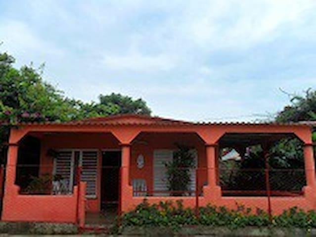 Villa Sol y Mar (Puerto Esperanza)