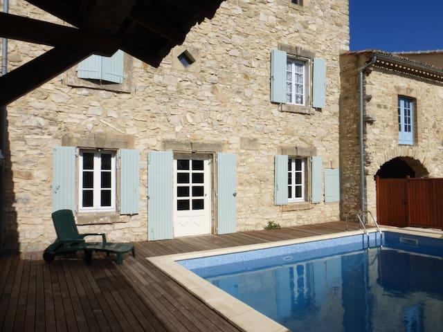 Grande maison pierres typique sud - Saint-Maurice-de-Cazevieille - Ev