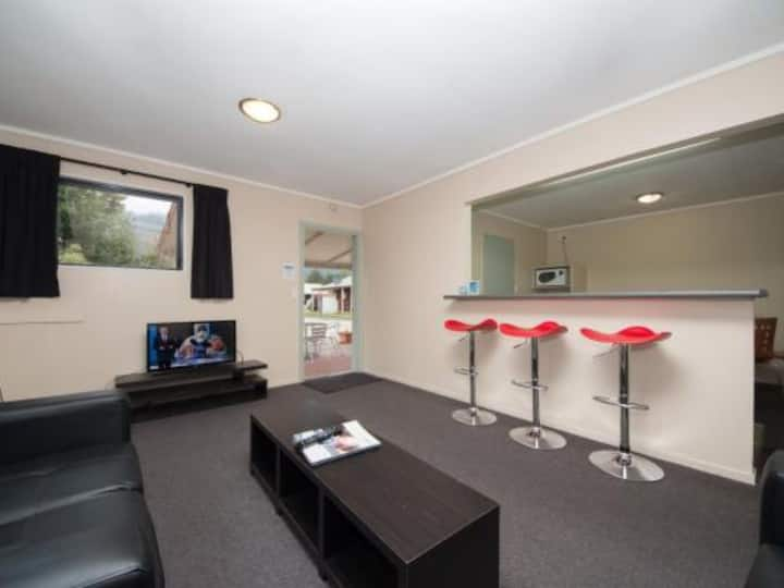 Two Bedroom Motel @ Franz Josef Top 10Holiday Park