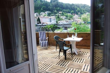 STUDIO-TERRASSE-WIFI-CLIMATISATION-VILLE - Vals-les-Bains