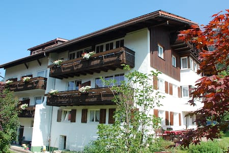 Landhaus Haug - Bad Hindelang - Bed & Breakfast